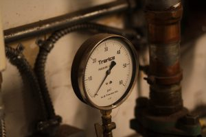 Image: performance monitoring pressure gauge